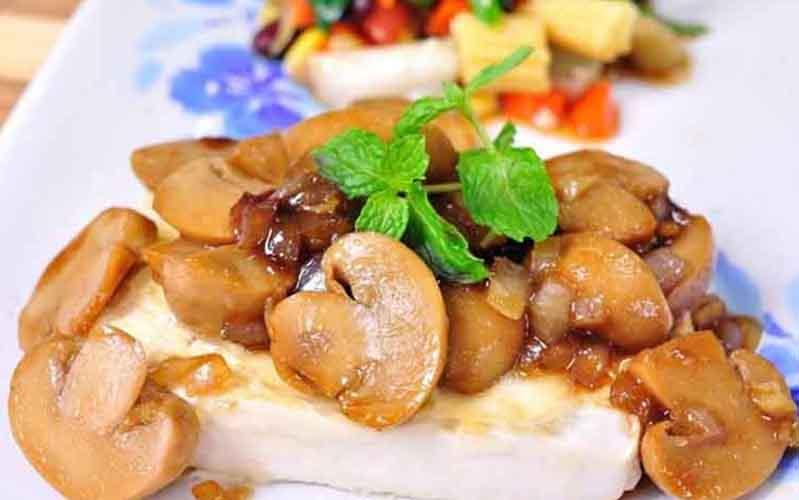สเต๊กเต้าหู้ซอสเห็ด อาหารสุขภาพลองทำกินเองที่บ้านได้ง่ายๆ